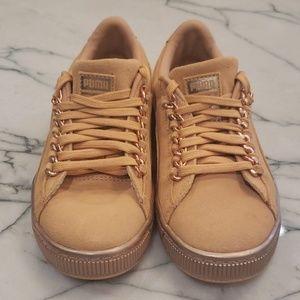 Brand New Girls Puma Suade Sneakers Rosegold